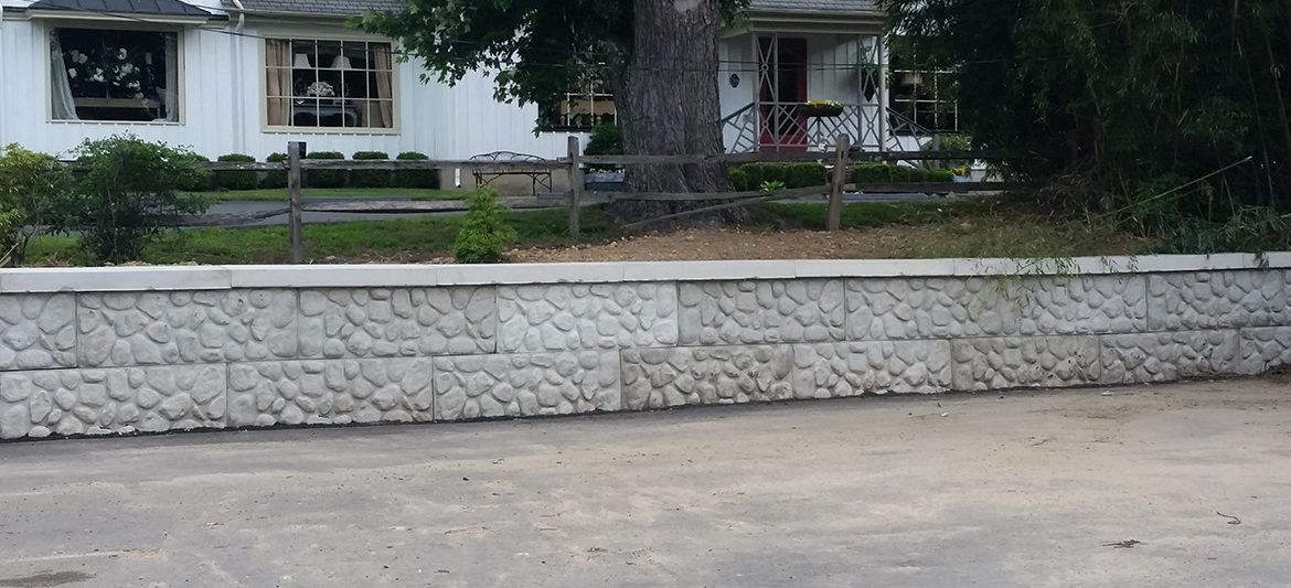 Stamped-Concrete-Wall
